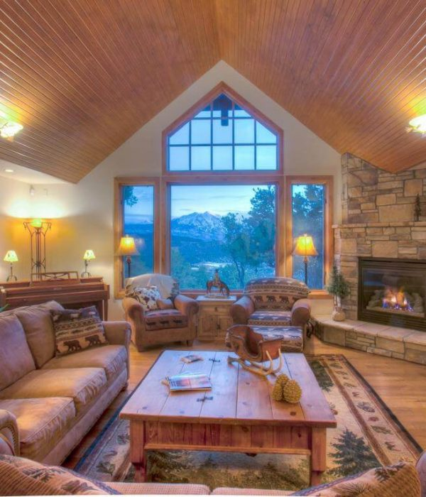 Elk Springs Home Living Room
